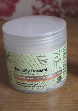 NATURALLY RADIANT PADS